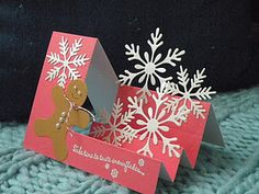 Stair Step Snowflake Card ~ perhaps a snowman instead of gingerbread man. by daisy . luv the delicate die cut snowflakes rising from the steps . Christmas Cards To Make, Noel Christmas, Xmas Cards, Handmade Christmas, Holiday Cards, Christmas Crafts, Christmas Holiday, Side Step Card, Karten Diy