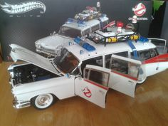 Ghostbusters ecto 1 hot wheels 1/18 scale I Movie, Movie Stars, Ghost Busters, Long Live, Pinterest Board, Hot Wheels, Diorama, Detective, Statues