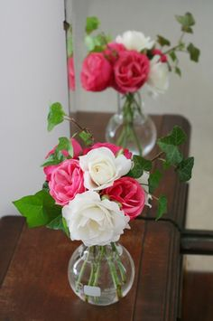 Small vase of roses = simple + beautiful!
