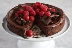 The raspberries add beautiful, elegant color and sweet-tart berry flavor to contrast with the rich chocolate cheesecake. Calorie and fat con