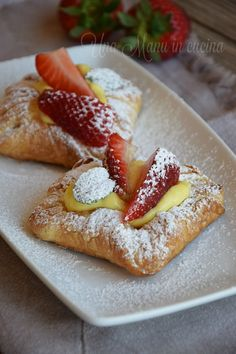 Cannoli, Biscotti, Macarons, Pastries, French Toast, Sweets, Cakes, Drink, Breakfast
