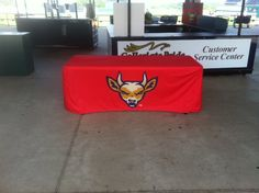 Enhance your tradeshow presence with table covers printed on vinyl or fabric, fully customized to fit any table and ideal for use at all kinds of events.
