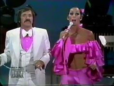 Sonny and Cher Comedy Hour dated February It Never Rains in Southern California Sonny And Cher Costumes, Compositor Musical, Cher Videos, The Cher Show, Cher Photos, Easy Listening Music, I Got You Babe, Snap Out Of It, Yesterday And Today
