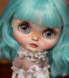Peppermint OOAK Blythe doll on Etsy | by Atelier BYD Dolls
