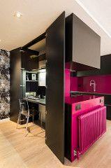 Despacho integrado a la cocina | Proyecto de reforma Sta Coloma | Standal #reforma #integral #reformas #cocinas #fucsia #interiorismo #decoración #despacho #Barcelona