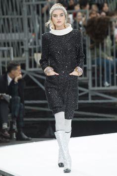 Chanel - Fall 2017 Ready-to-Wear - Maartje Verhoef