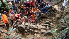 Фобос.Floods and landslides in the district of Lima Puluh-Kota (West Sumatra, Indonesia, 04.03.2017). At least 5 people were killed, were under water for more than three thousand homes. The most difficult situation in Pangkalan area where the afternoon there was a landslide that covered 7 people cars.