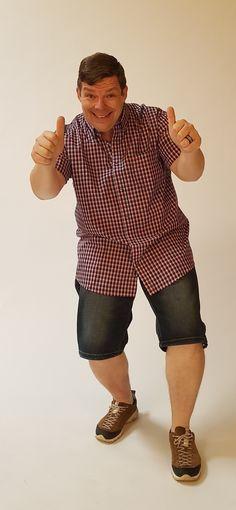 Chemises hommes de la taille xl à 8xl disponible en boutique. #xxl #fort #grandetaille #homme #mode Button Down Shirt, Men Casual, Boutique, Couple Photos, Mens Tops, Shirts, Fashion, Budget, Plus Sized Clothing