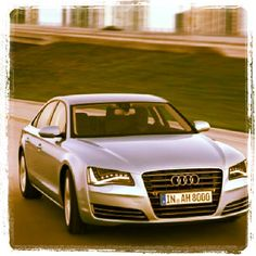 Cool Audi A8 with photo 1971 filter! Looks Cool!