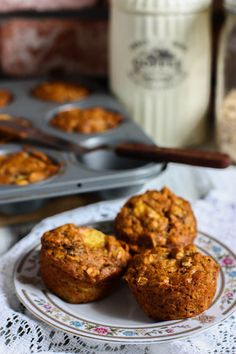 Whole Wheat Banana Peach Muffins  Ingredients:  1 1/4 cup spelt (or whole wheat) flour  3/4 cup old fashioned oats  1 tsp baking soda  1/4 tsp salt  1/2 cup maple syrup  1/2 cup vegetable oil  3 bananas, mashed  1 lb yellow peaches, sliced 1/4″ thick  1/2 tsp cinnamon  350 degrees, 25 - 30 minutes