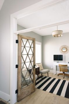 DOOR-interesting idea to leave the space above the door frame opened.