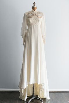 1970s Ivory Beaded Lace and Chiffon Long Sleeves Gown | G O S S A M E R