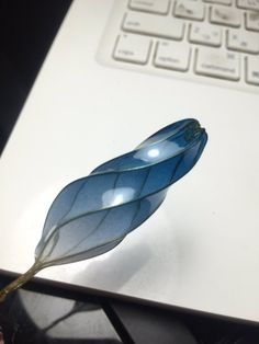 Discover thousands of images about Embedded Handmade Wire Jewelry, Resin Jewelry, Jewelry Crafts, Vintage Jewelry, Jewlery, Wire Crafts, Resin Crafts, Resin Art, Nail Polish Flowers