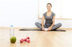 Zihninizi keskinleştirmek için maratona katılmanız gerekmiyor. Zihin-vücut egzersizi hafıza kaybıyla mücadelede yardımcı olabilir. Basit aerobik egzersizleri rutin haline getirin ancak aşırıya kaçmayın. Çünkü fazla egzersiz nedeniyle oluşabilecek su kaybı hafıza fonksiyonlarınıza zarar verebilir.
