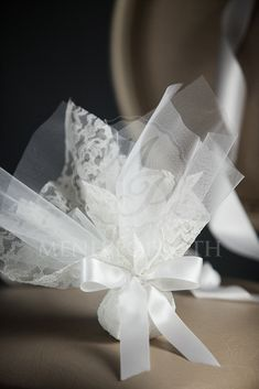 Classic tulle and lace wedding favor bomboniere