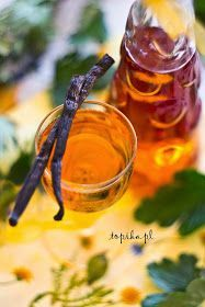Topika: Nalewka agrestowa z wanilią Vanilla Liqueur, Happy Drink, Alcoholic Drinks, Vogue, Wine, Liqueurs, Homemade Liquor, Beverages, Cooking
