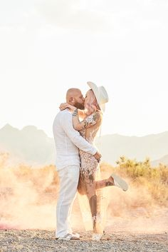 Imogen and Steve jet to Vegas for vintage desert rock and roll wedding - Real Weddings Elvis Wedding Vegas, Las Vegas Weddings, Real Weddings, Destination Weddings, Witch Wedding, Viking Wedding, Edgy Wedding, Rose Wedding, Oriental Wedding