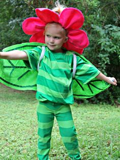 Remember the talking flowers from Alice in Wonderland? Craft a flower costume for your little one this Halloween with The Sewing Rabbit's flower costume tutorial.