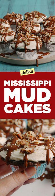 These Mississippi Mud Cakelets Are Too Fudging Good To ResistDelish Cupcake Recipes, Cupcake Cakes, Dessert Recipes, Cupcakes, Baby Cakes, Mini Cakes, Dessert Ideas, Dinner Recipes, Chocolate Fudge Sauce