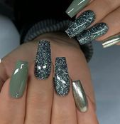 Gel nails polish gets more and more popular among fashion ladies these days. They are terrific options from other kind of manicure nails. Sometimes acrylic nails come in colors, but usually… Nails Yellow, Green Nails, Cute Acrylic Nails, Cute Nails, Pretty Nails, Classy Gel Nails, Hair And Nails, My Nails, Local Nail Salons