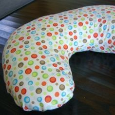 Stillkissen nähen I Free Nursing Boppy Pillow Pattern