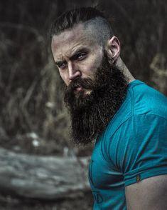 This man is everything. Beard Game, Epic Beard, Man Beard, Great Beards, Awesome Beards, Moustaches, Barba Grande, Hair And Beard Styles, Long Hair Styles