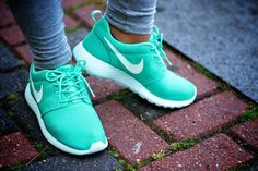 Nike Roshe Run Mint