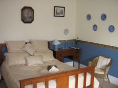 This Huon Valley Accommodation comprises two very comfortable guest rooms with queen beds, one with an extra single bed, sleeping a maximum of five people. #Accommodation #HolidayAccommodation #Scenic www.OzeHols.com.au/35