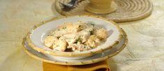Receita de Bifes de peru com leite de coco e coentros. Descubra como cozinhar Bifes de peru com leite de coco e coentros de maneira prática e deliciosa com a Teleculinaria!