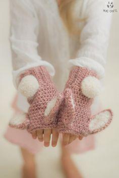 CROCHET PATTERN bunny Lola wrist warmers x Fingerless gloves x Free pattern gift x Easy wrist warmers crochet x Beginners pattern Love Crochet, Crochet Gifts, Crochet For Kids, Knit Crochet, Crochet Granny, Crochet Gloves Pattern, Crochet Stitches, Crochet Patterns, Knitting Patterns