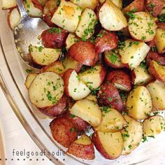 Parmesan Roasted Potatoes Made by @feelgoodfoodie ❤️ @feelgoodfoodie Ingredients 2 lb bag of red potatoes, quartered 1/3 cup parmesan cheese 2 tbsp olive oil 3 garlic cloves, minced 1 tbsp Italian seasoning blend Fresh parsley, chopped for garnish INSTRUCTIONS Toss potatoes with all the ingredients except for the parsley || Season with salt and pepper to taste || Transfer potatoes to a lightly greased baking dish and bake at 400F for about 30-35 minutes until potatoes are golden brown and…