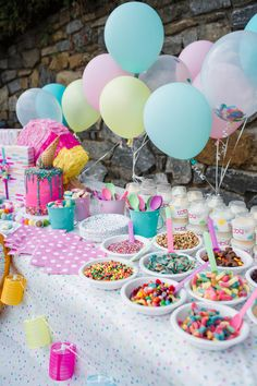 Ice Cream Birthday Party Decorations via The Southern Style Guide Donut Birthday Parties, Donut Party, Birthday Party Decorations, 7th Birthday Party For Girls Themes, Candy Theme Birthday Party, Kids Birthday Presents, Homemade Party Decorations, Cupcake Decorating Party, Birthday Ideas