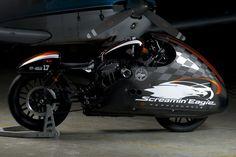 Harley-Davidson custom by HD Larochelle for Battle of Kings #custommotorcycles #motoscustom   caferacerpasion.com