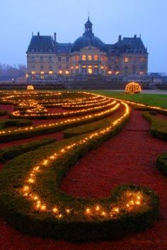Easy trip from Paris and worth the visit. Vaux Le Vicomte Palace at Christmas time ~ outside of Paris, inspired the building of Palace of Versailles, France Beautiful Castles, Beautiful World, Beautiful Places, Beautiful Lights, Oh The Places You'll Go, Places To Travel, Places To Visit, Castle France, Vaux Le Vicomte