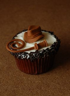 Indiana Jones cupcake.