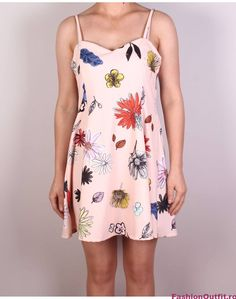 Rochiile sunt considerate articole vestimentare pline de feminitate, foarte lejere si comode, si sunt disponibile intr-o gama variata de modele si intr-o paleta Summer Dresses, Fashion, Moda, Summer Sundresses, La Mode, Fasion, Summer Clothes, Fashion Models, Summertime Outfits