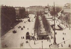 Vue générale de la place de la République vers 1885. Le monument à la République était flambant neuf (il fut inauguré en 1883) tout comme les Parisiens devaient s'habituer au nouveau nom de la place (elle s'appelait place du Château-d'Eau avant 1879)... (Paris 3ème/10ème/11ème)