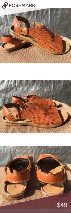 72182dec6a3f36 Clarks Artisan Tan Leather Open Toe Sandal Sz 6.5 SARLA CADENCE TAN  PERFORATED LEATHER WOMENS OPEN