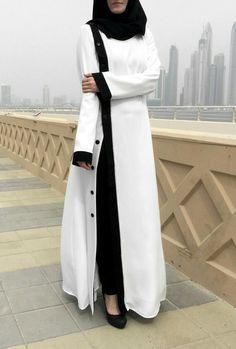 Perle Abaya Abaya weiß / Plus Größe Abaya / Abaya mit Perlen Dekor / Abaya Kleid / Hijab Fashion Kleid / moderne Abaya / Designer Abaya Hijab Dress, Hijab Outfit, Muslim Dress, Islamic Fashion, Muslim Fashion, Abaya Fashion, Fashion Wear, White Abaya, Abaya Pattern