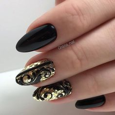 Pin by maria on Μαλλιά in 2019 Fancy Nails, Gold Nails, Cute Nails, Pretty Nails, Toe Nail Art, Acrylic Nails, Diy Sharpie, New Years Eve Nails, Nail Techniques