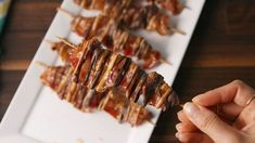 Chocolate Bacon Skewers Horizontal Skewer Recipes, Appetizer Recipes, Bacon Recipes, Bacon Food, Fancy Appetizers, Dessert Recipes, Bacon Bacon, Appetizer Ideas, Christmas Appetizers