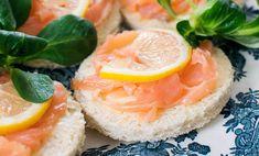 Le tartine con il salmone sono un grande classico tra gli antipasti di Natale: ecco 10 varianti perfette da portare in tavola, per ogni gusto!