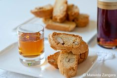 Cantucci+-+traditional+Tuscan+biscotti+with+almonds.