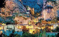 Moustiers St Marie - Alpes de Haute Provence. http://www.tendi.nl/bestemmingen/lou-passavous