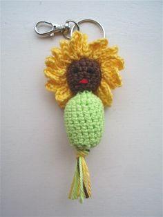 Gehaakt gelukspoppetje #Zonnebloem #haakpatroon #patroon #haken #gehaakt #sunflower #crochet #pattern #amigurumi #DIY