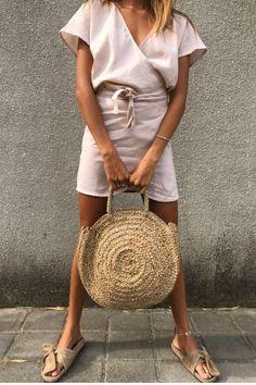 LILYA Round Woven Bag #lilya #ilovelilya #oasis www.ilovelilya.com