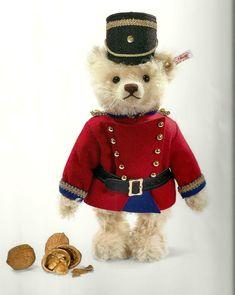 Christmas Teddy Bear, Christmas Animals, Steiff Teddy Bear, Teddy Bears, Teddy Hermann, Brown Bear, Plushies, Handicraft, Ebay