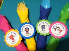 Team umizoomi Table settings  Personalized napkin rings! These make a great addition to your party decorations. Comes in sets of 12. you can order the full sets or just the napkin rings and put them together yourself.