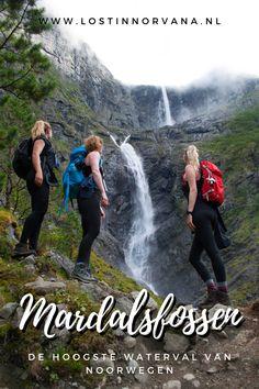 Met haar 655 meter is Mardalsfossen de hoogste waterval van heel Noorwegen! De vrije val van 297 meter is zelfs de hoogste vrije val van Scandinavië en de op drie na hoogste in de wereld. Je kunt zo dichtbij deze waterval komen dat je een gratis nat pak haalt. De wandeling duurt slechts 45 minuten (enkele reis), dus als je in Romsdalen bent deze zomer, is dit een absolute must see! Finland, Denmark, Norway, Sweden, Hiking, Travel, Walks, Viajes, Trips