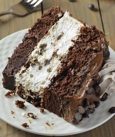 Checkout the best Oreo cheesecake chocolate cake recipe on the net! Once you try this amazing dessert, you will ask for more!